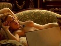 Кейт Уинслет осудили за обнаженную грудь Kate Elizabeth Winslet