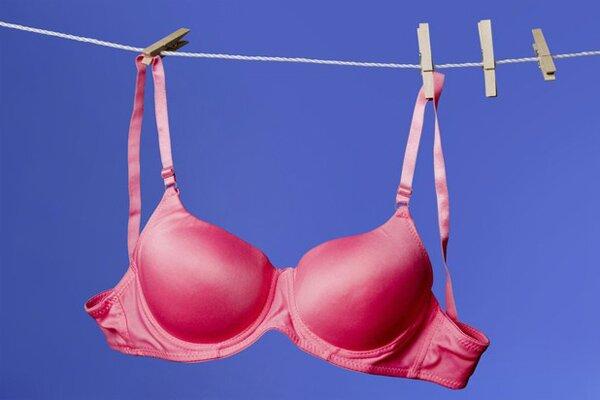 Стройные женщины предпочитают обычное белье, в отличие от полных прелестниц