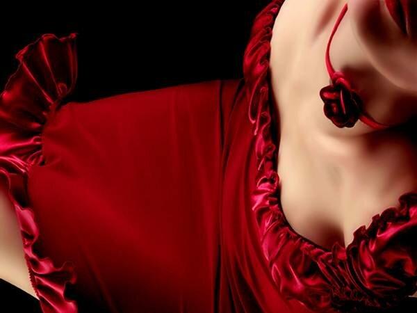 Секрет привлекательности женщин в красном. Фотографии