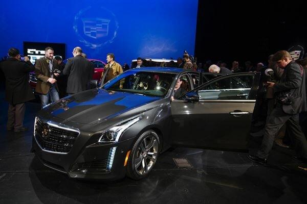 Роскошный и фантастический Cadillac CTS 2017 года. Фотографии