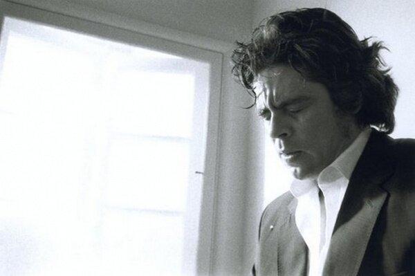 Сэм Тэйлор Вуд. Фотографии плачущих знаменитых мужчин. Фотографии