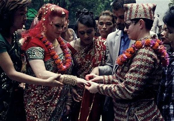 Свадьба лесбиянок в Непале