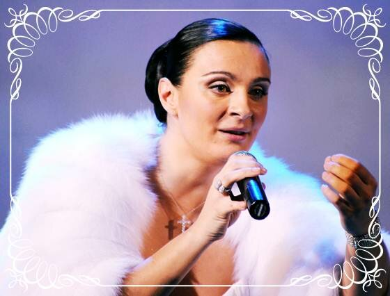 Певица Ваенга и «курица» Ксения Собчак. Фотографии