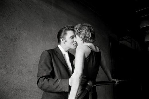 Страстные и нежные поцелуи, увековеченные в объективах фотографов