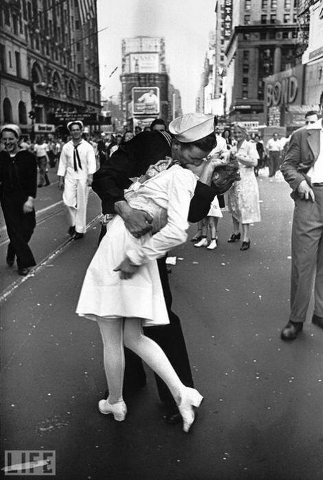 Страстные и нежные поцелуи, увековеченные в объективах фотографов. Фотографии