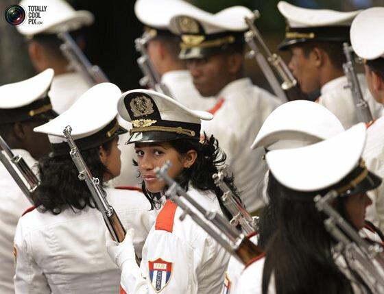 Фотографии женщин военнослужащих разных стран мира. Фотографии