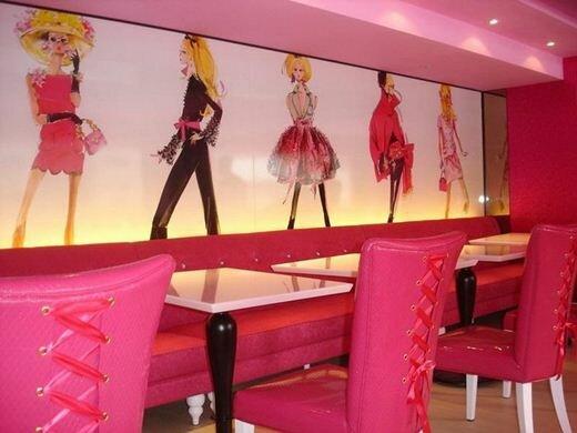Ресторан, посвященный кукле Барби. Фотографии