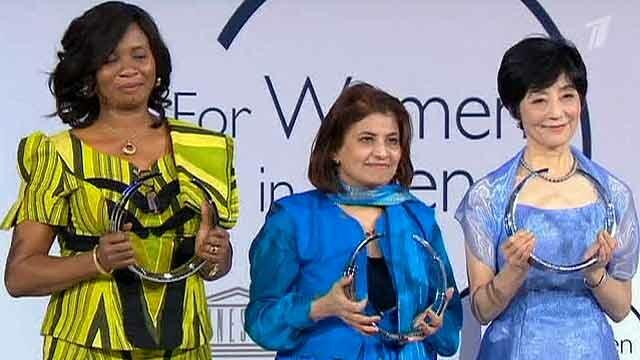 В Париже наградили 5 выдающихся женщин. Фотографии