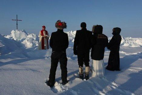 Фотографии первого венчания на Северном полюсе Wedding Ceremony at North Pole (4) (468x312, 24Kb)