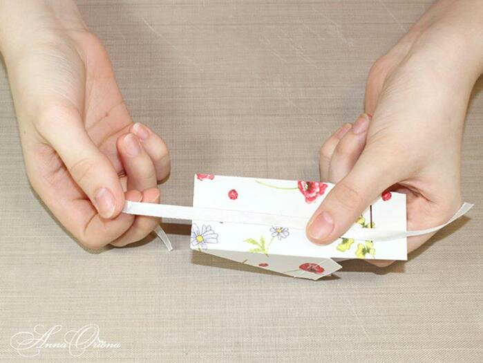 Коробочки в виде кусочков торта. Фотографии