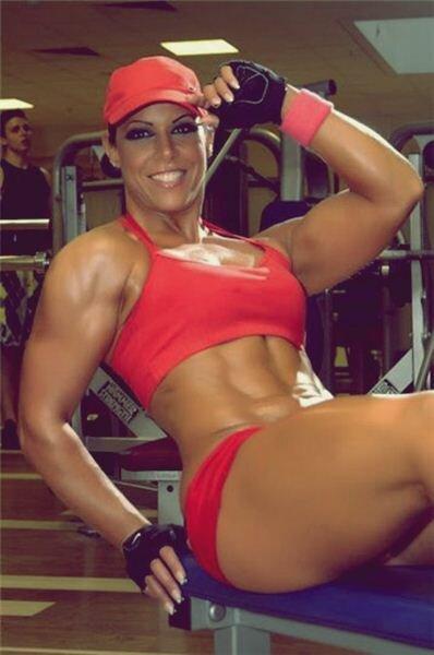 Как женщине накачать мышцы в фитнес клубе. Фотографии