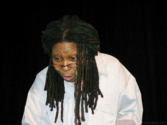 Whoopi Goldberg11 (560x420, 23Kb)