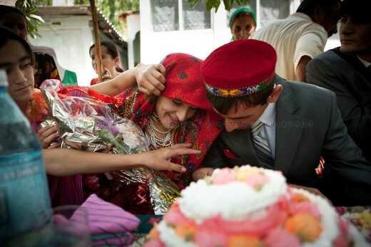Незаконное многоженство в Таджикистане. Фотографии