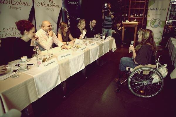 Венгерский конкурс красоты на инвалидных колясках. Фотографии
