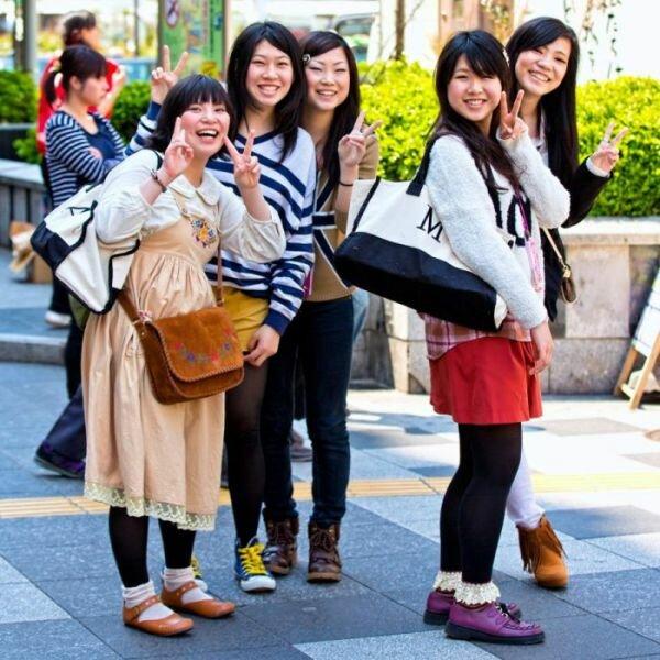 фото японских девушек на улице